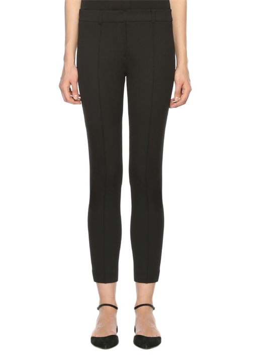 Fermuar Detaylı Siyah Pantolon