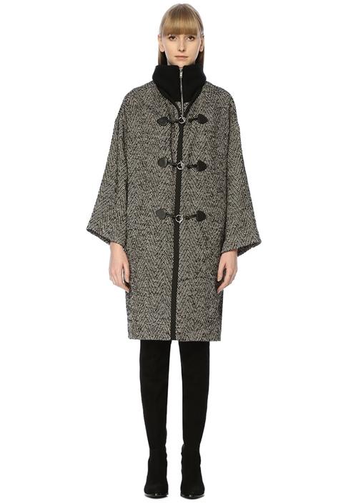 Siyah Dik Yaka Balıksırtı Desenli Yün Palto