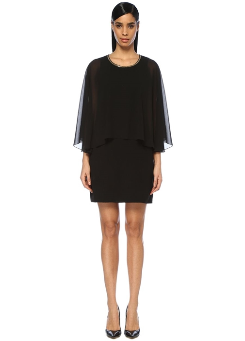 Siyah Yakası İşlemeli Pelerinli Mini Abiye Elbise